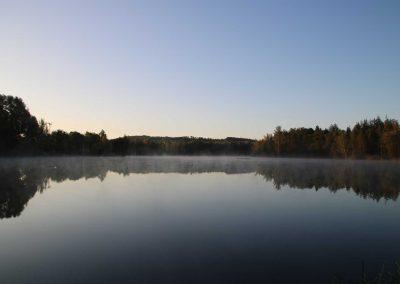 Herbstlicher-Badesee